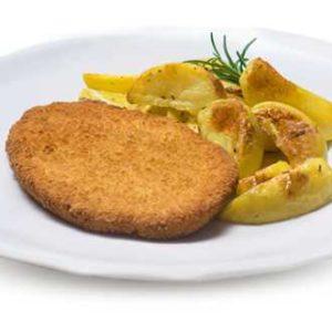 Cotoletta di pollo  impanata con patate al Forno.