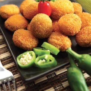 Crocchette farcite con all'interno una rondella di peperone verde piccante e formaggio Chedar. Confezioni da 1 Kg
