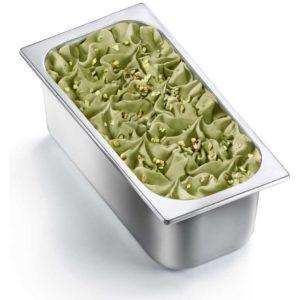 Vaschetta di gelato mantecato al gusto di pistacchio. Vaschetta grande.