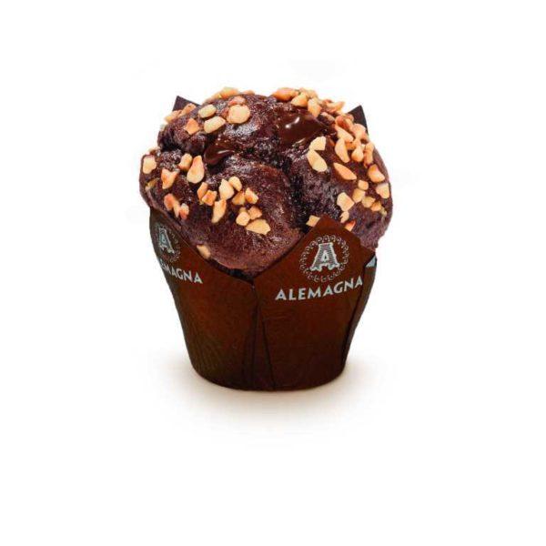 Muffin al cioccolato ripieno di crema alla nocciola.