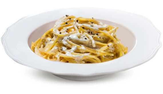 Spaghetti con Pecorino Romano e pepe.