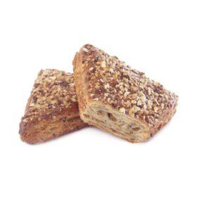Dall'incontro tra l'impasto al burro e il topping di semi gustosi e croccanti nasce un prodotto ideale per preparazioni sia dolci che salate.
