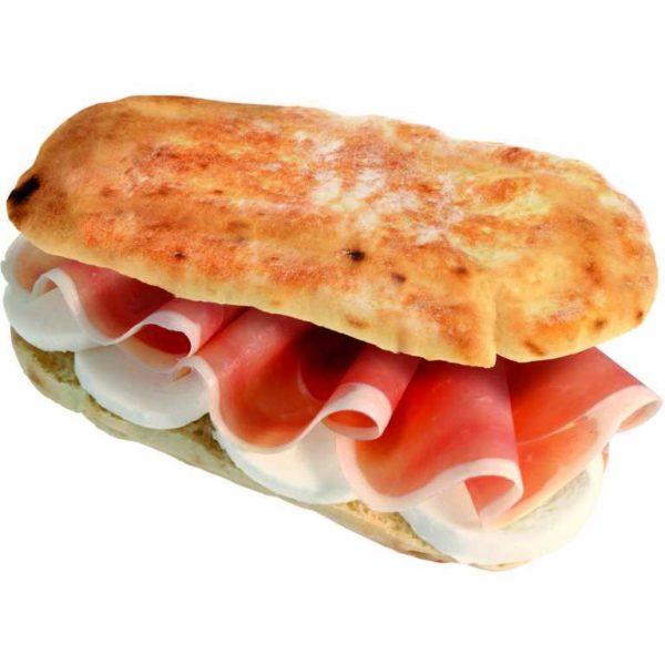 Panpizza farcito con prosciutto crudo e mozzarella.