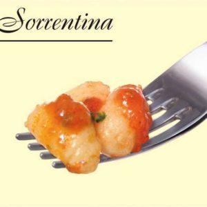 Gnocchi di patate conditi con sugo al pomodoro