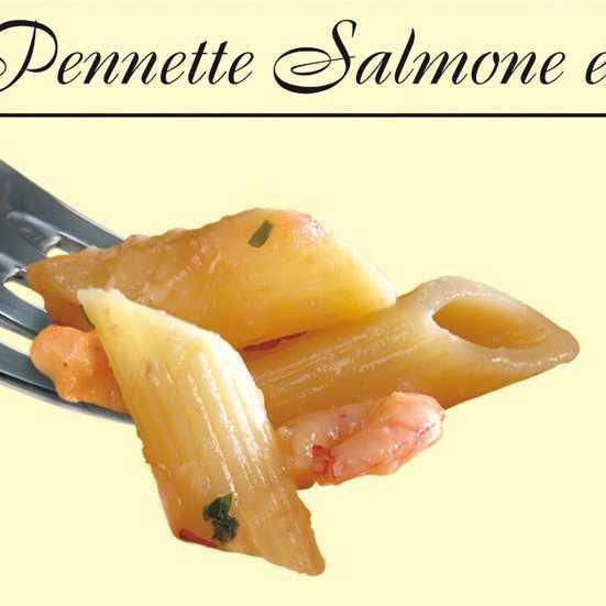 Pasta di semola di grano duro con sugo di salmone e gamberi.