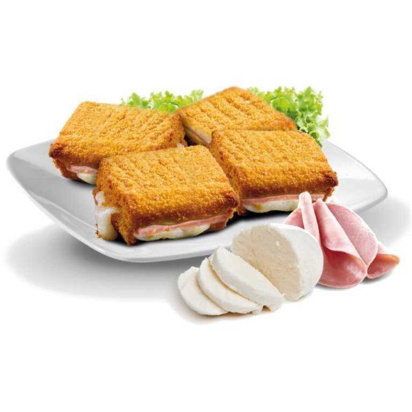 Mozzarella in carrozza realizzata con pane da tramezzino ripieno di mozzarella e prosciutto cotto.