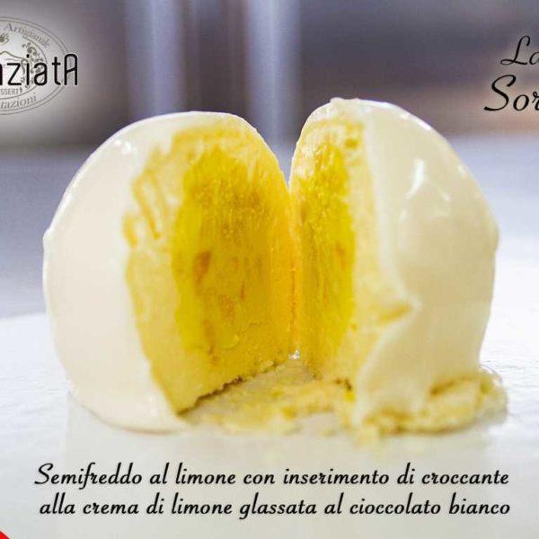 Semifreddo al limone con croccante alla crema di limone
