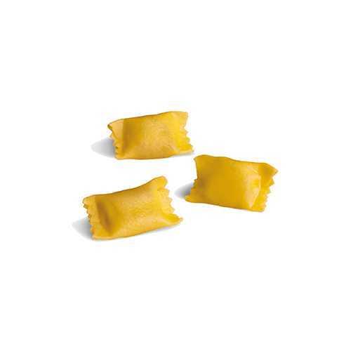 Pasta fresca all'uovo tipicamente piemontese ripiena di carni miste e verdure.