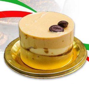 Biscotto bavarese al caramello e vaniglia e biscotto al caffè con glassa di caramello salato. Versione monoporzione della torta Triple Gold.