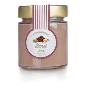 Budino dal gusto cioccolatoso e arricchito dagli amaretti