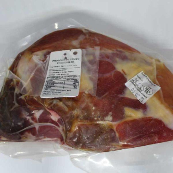 Prosciutto crudo di Parma stagionato per 12/13 mesi. N.B. prodotto a peso variabile.