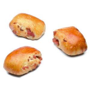 Piccolo panino farcito con salame