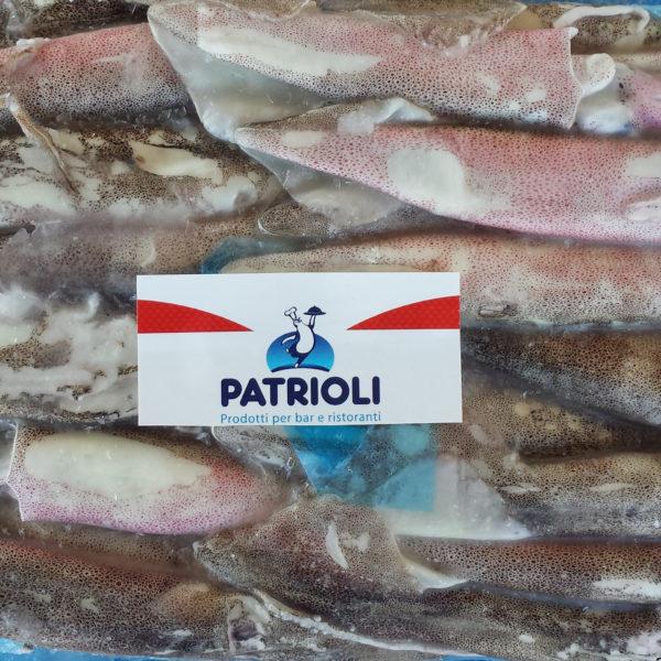 Calamaro da 10-13 cm. Origine: Patagonia. Taglia: C4-. N.B. prodotto a peso variabile