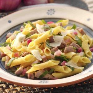 Pasta fresca surgelata con la forma di garganelli romagnoli.