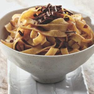 Tagliatelle di pasta fresca surgelata. Il peso è riferito al singolo nido.