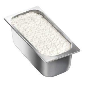 Gelato mantecato al gusto di vaniglia. Vaschetta grande