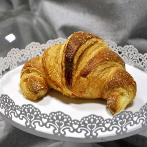 Croissant artigianale vuoto di pasta lievitata