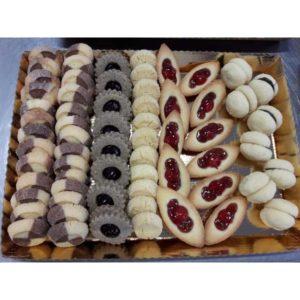 Squisiti biscotti di pasta frolla al burro. Assortimento a fantasia