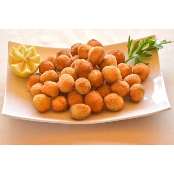 Le classiche olive all'ascolana con olive verdi denocciolate con farcitura di carne e mortadella