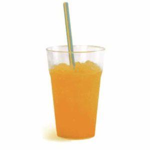 Granita al gusto di arancia in bicchiere. Senza glutine