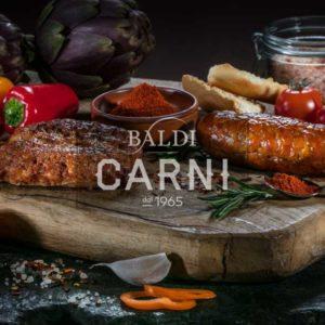 Salamella di suino con aggiunta di peperoncino e paprika. N.B. Prodotto a Peso Variabile